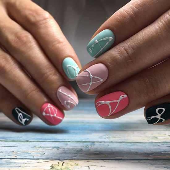 Матовые ногти дизайн паутинка