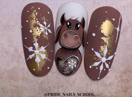 Рисунок новогоднего быка на ногтях и снежинок