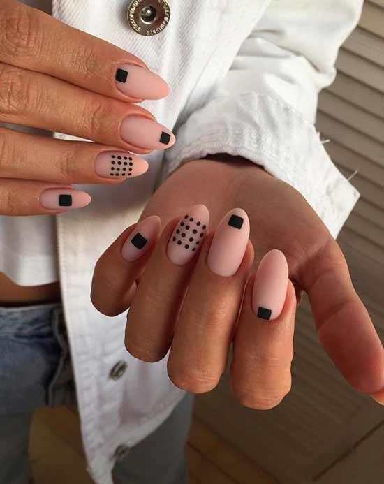 Дизайн ногтей с точками и квадратами