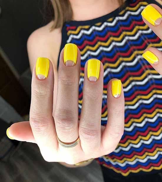Яркий желтый маникюр