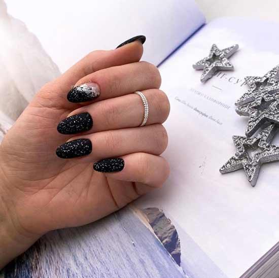 Черный с блестками на всех ногтях