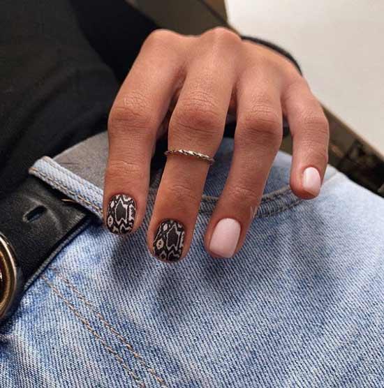 Змеиный принт на ногтях