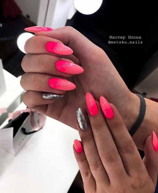 Красное омбре на ногтях с блестками