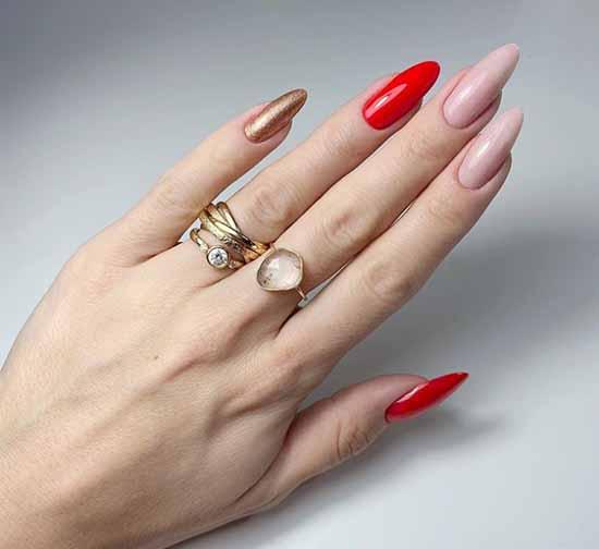 Длинные острые ногти с красным и золотым
