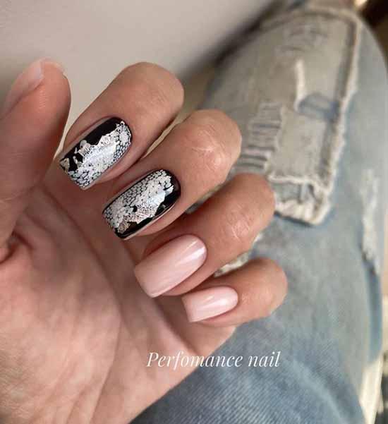 Черные ногти с серебряной фольгой