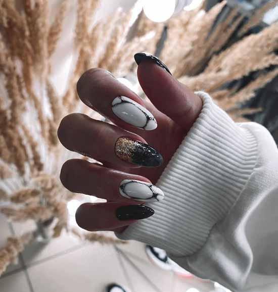 Длинные черные ногти с фольгой