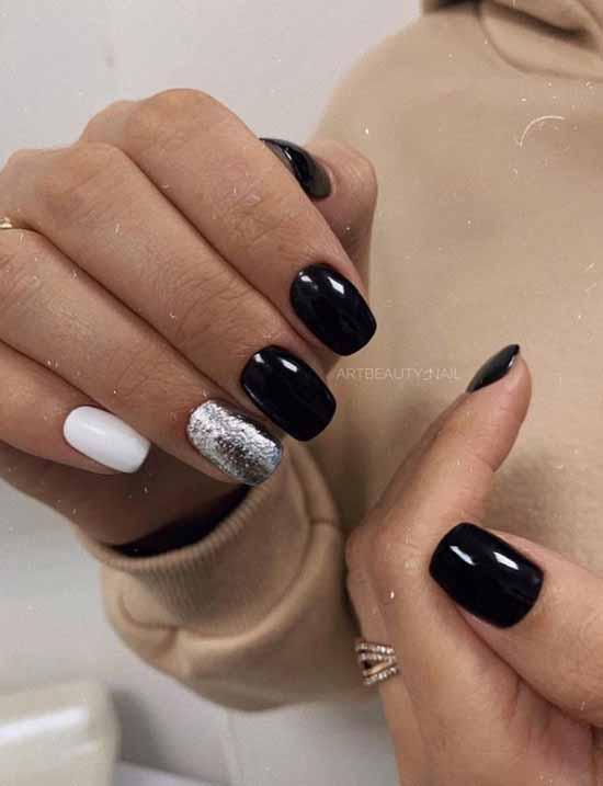 Жидкая фольга на черных ногтях