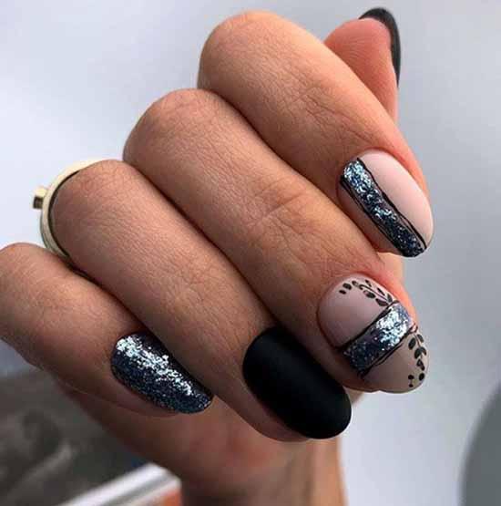 Черные ногти с фольгой