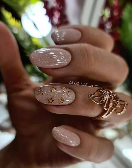 Микс блестящего декора на ногтях