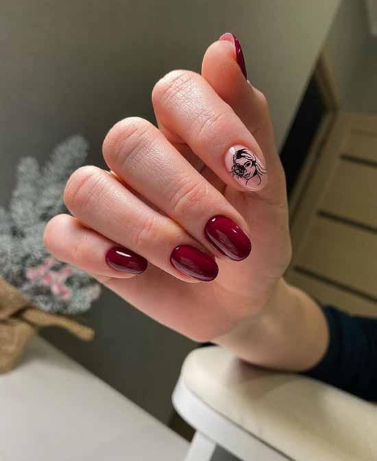 Бордовый маникюр дизайн указательного пальца