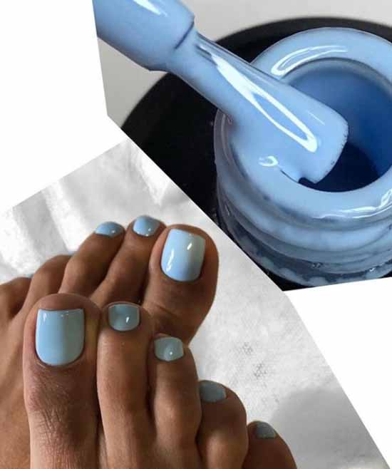 Однотонный голубой педикюр