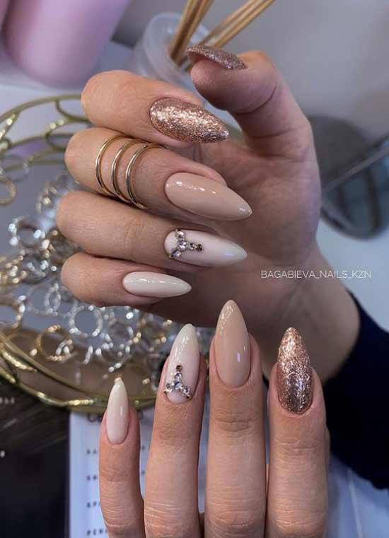 Зимний нюд на длинные ногти