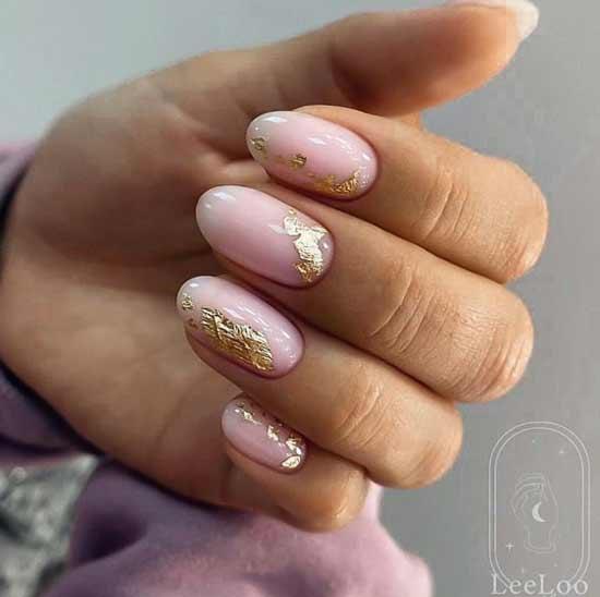 Нюд и фольга на ногтях