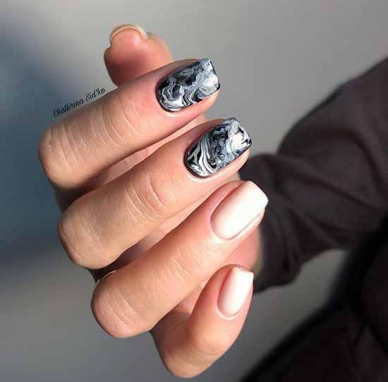 Модный черный на ногтях