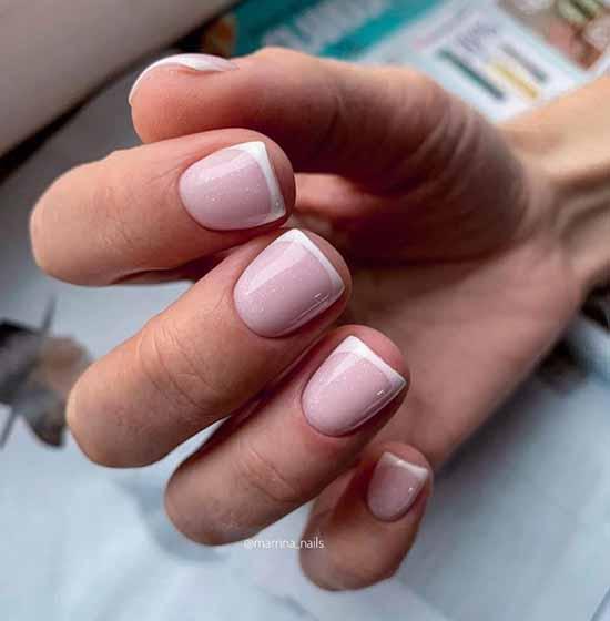 Элегантный маникюр 2021: фото, нежный дизайн ногтей