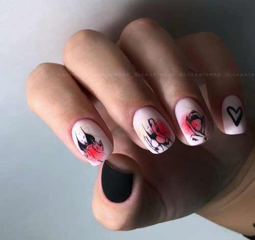 Матовый дизайн с сердечком ногти