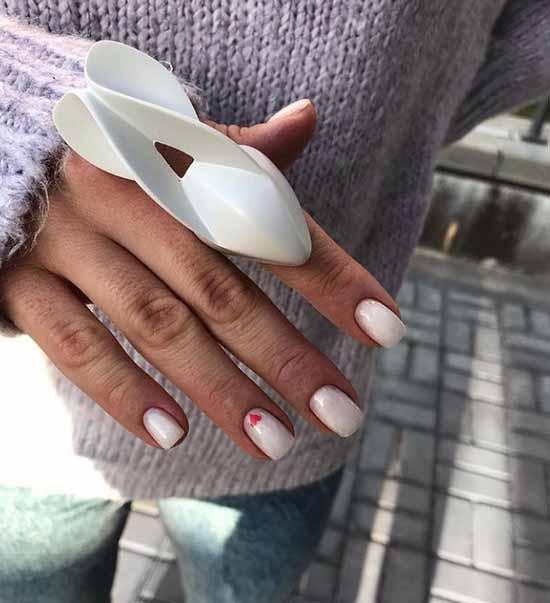 Сердечко на одном ногте