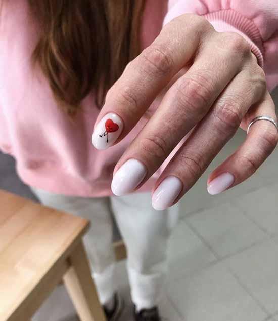 Маникюр с сердечком на День святого Валентина: фото 2021, дизайн