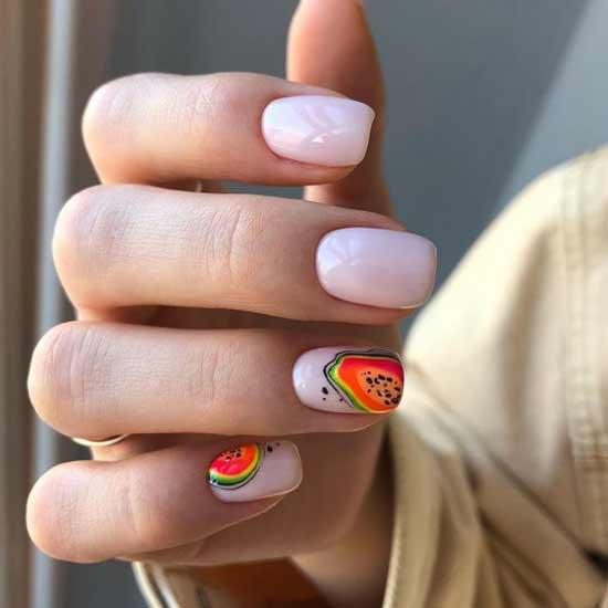 Красно-оранжевые фрукты на ногтях