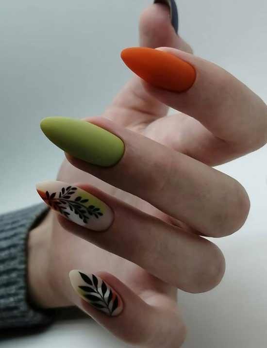 Оранж в разноцветном маникюре