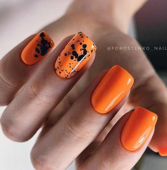 Оранжевый короткий маникюр