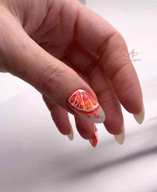 Оранжевые фрукты на ногтях