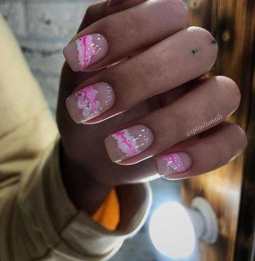 Розовый трендовый маникюр