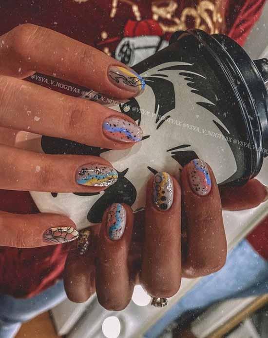 Модная абстракция ногти