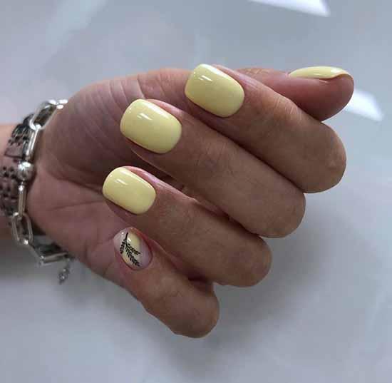 Желтый маникюр с веточкой