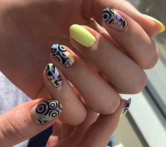 Слайдер дизайн желтые ногти