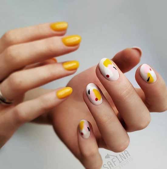 Желтый с абстракцией