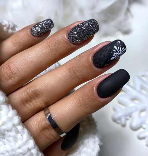 Черный с белым новогодний маникюр