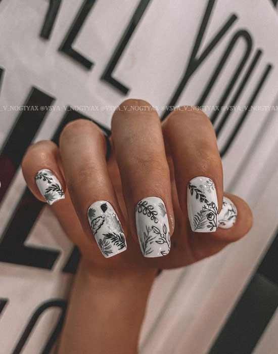 Модный дизайн ногтей черно-белый