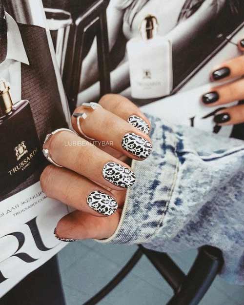 Черно-белый принт на ногтях