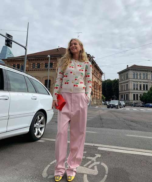 Светло-розовые широкие брюки