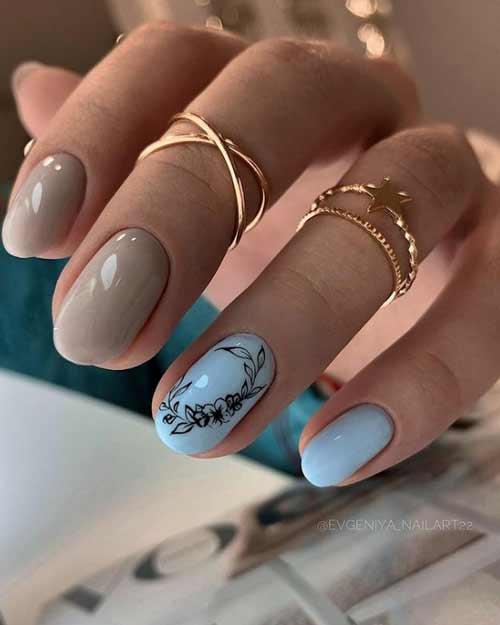 Бежево-голубой маникюр