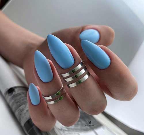 Голубой маникюр острые ногти