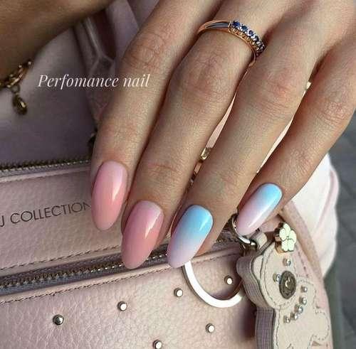 Розово-голубой градиент на ногтях