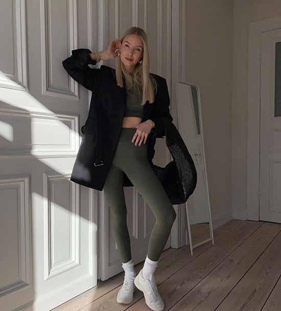 Легинсы 2021-2022: с чем носить, фото модные образы
