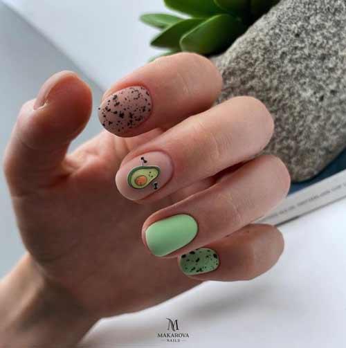 Летний дизайн коротких ногтей