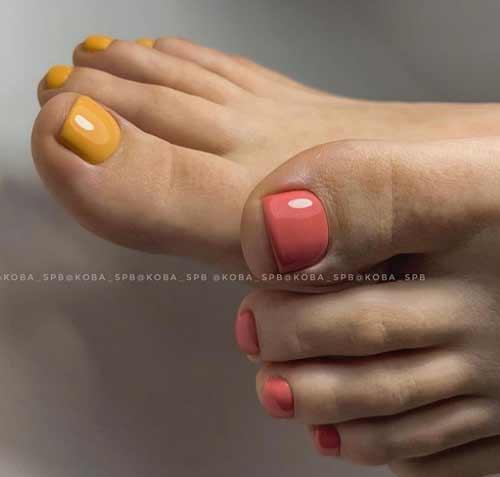 Разный дизайн ногтей ног