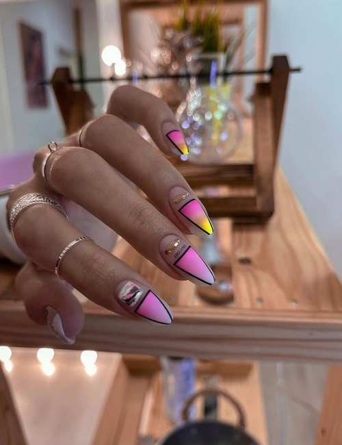 Длинные ногти в пастельных тонах весна
