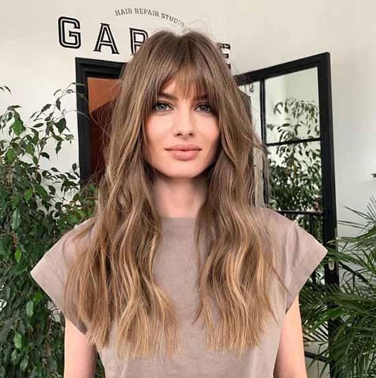 Женские стрижки на длинные волосы 2021: фото, тенденции