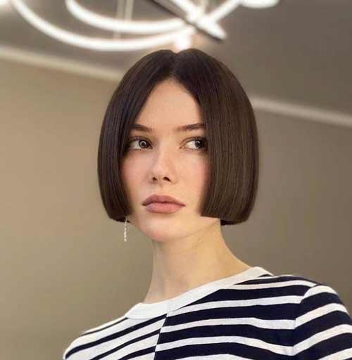 Модные женские стрижки на короткие волосы без челки