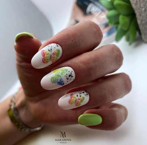 Весенний маникюр с бабочками