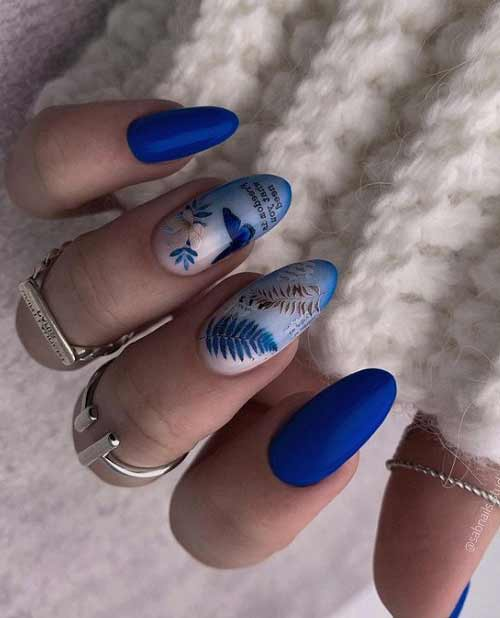 Синяя бабочка на ногтях