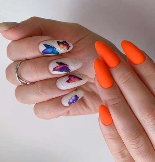 Маникюр разные руки с бабочками
