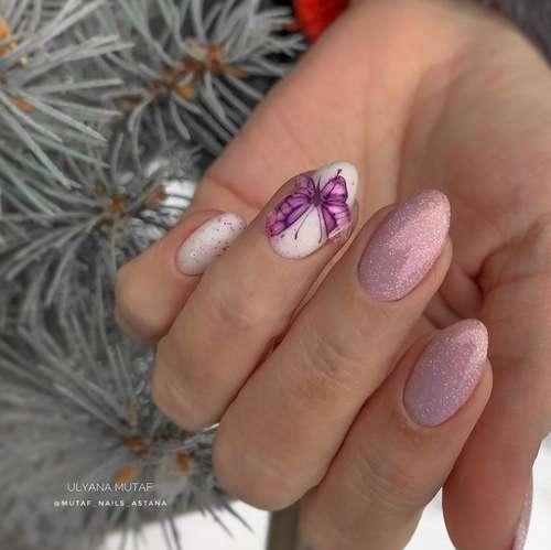 Бабочки блестками на ногтях