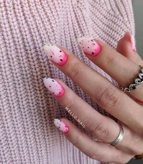 Омбре в неоновых розовых оттенках ногти