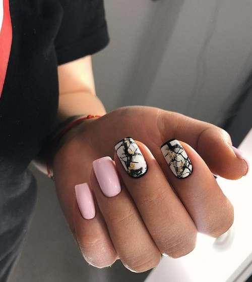 Маникюр в розовых и черных тонах